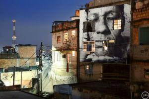 28_millimetres_-_women_are_heroes_action_dans_la_favela_morro_da_providencia_maria_de_fatima_night_view_rio_de_janeiro_bresil_2008